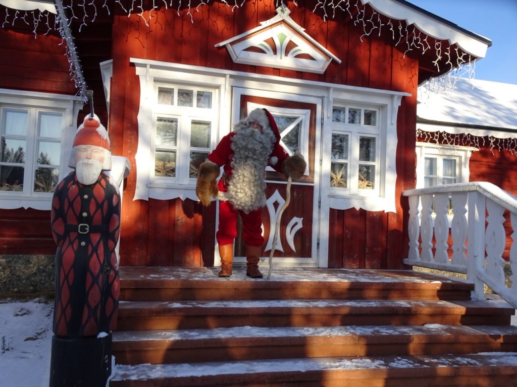 Santa Claus' home in Lapland; Santa Claus in Lapland