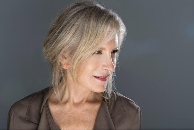 Dr. Johanna Neuman
