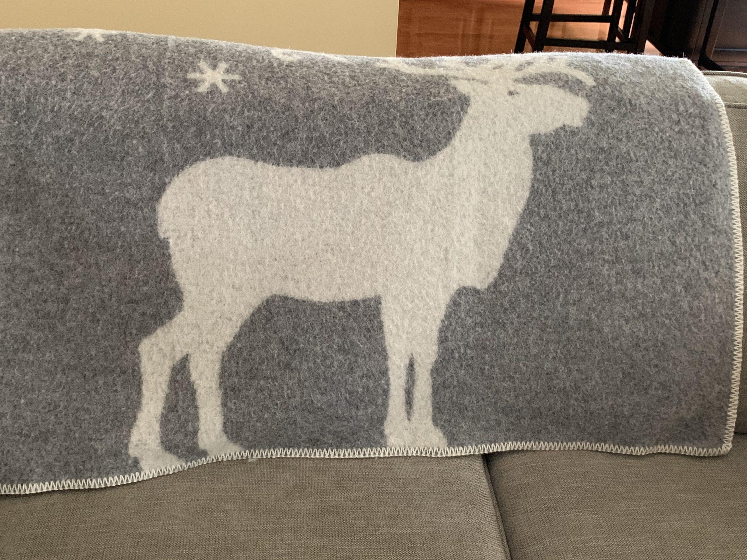 Reindeer wool blanket