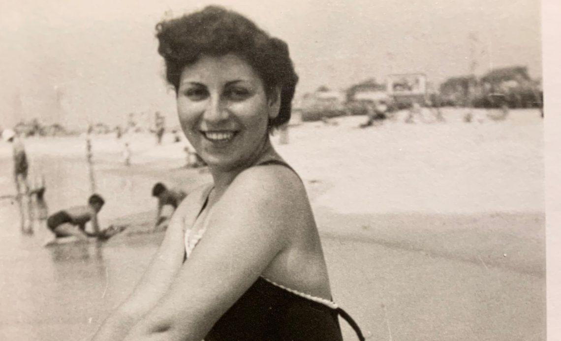 Pearl 1940s beach pic